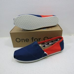 2f40feeeae4 Toms Classics Shoes - Toms UC Berkeley Classics Canvas Comfort Flats 9.5